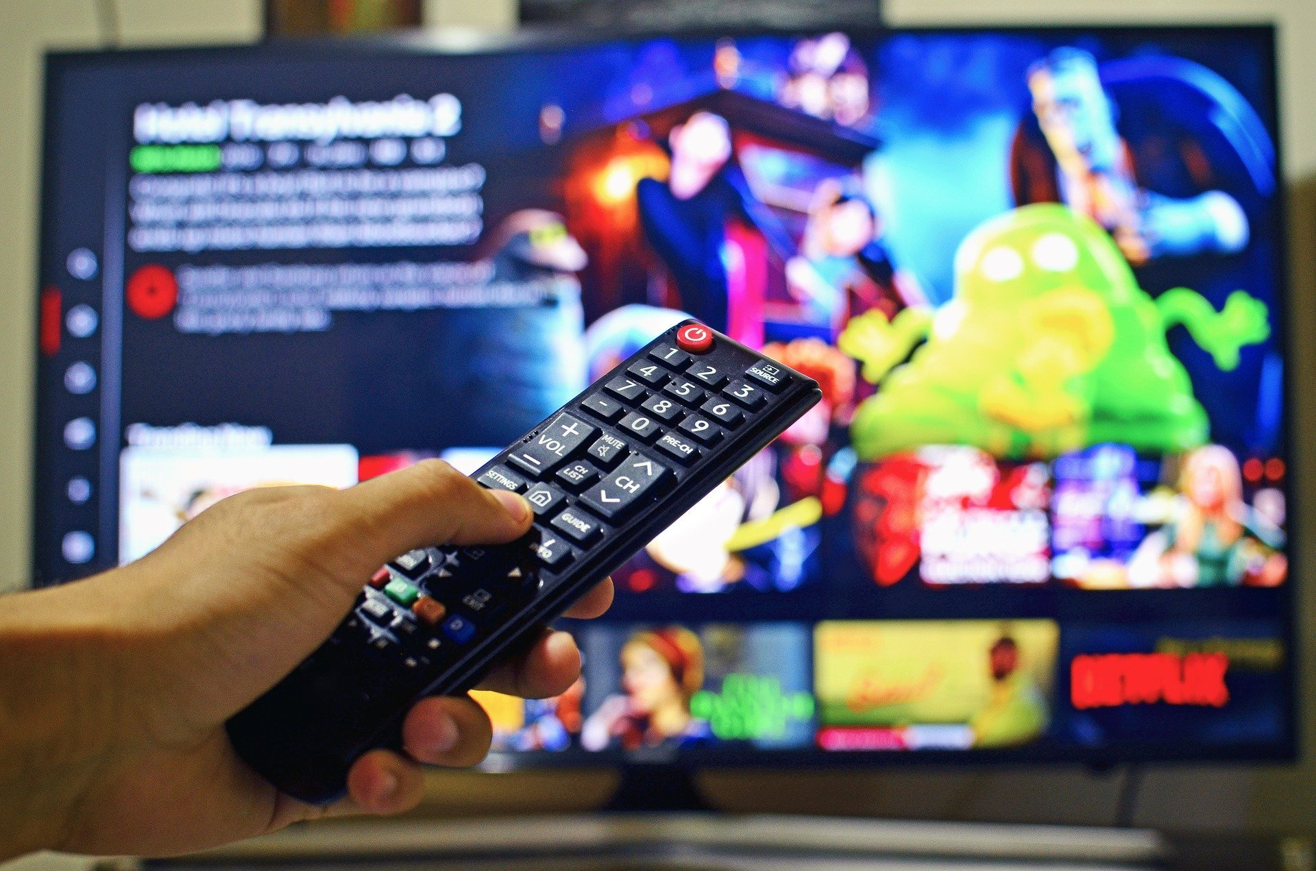 10 Amazing Netflix Shows to Improve Your Spanish